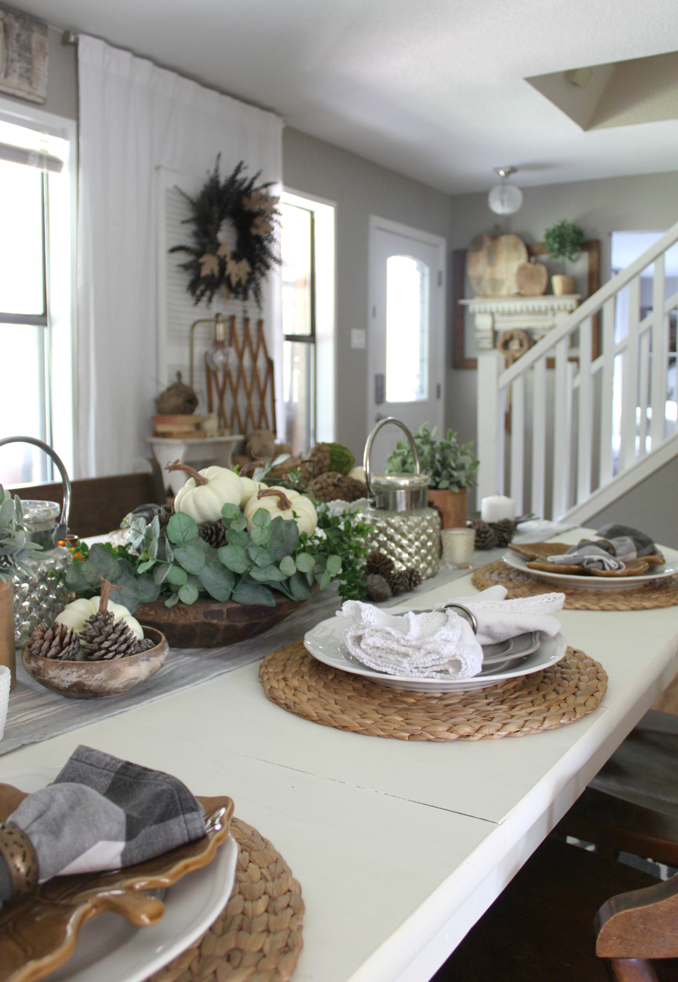 fall-dining-room-tablescape-entrway-place-setting