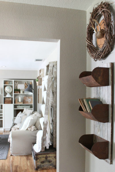 Simple Ways to Decorate with Vintage Books