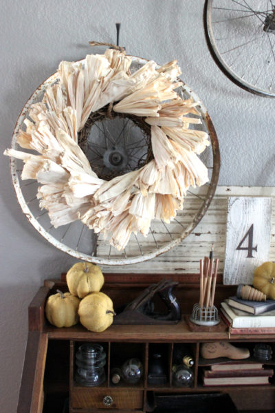 Easy DIY Rustic Corn Husk Wreath